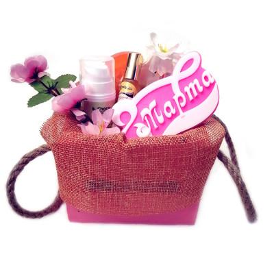 Набор подарочный №166 для женщин на 8 Марта  (косметика +мыло)