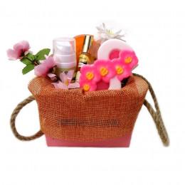 Набор подарочный №167 для женщин на 8 Марта  (косметика +мыло)