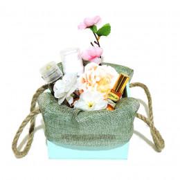 """Набор подарочный №76 """"Цветочная поляна"""" (косметика +мыло)"""