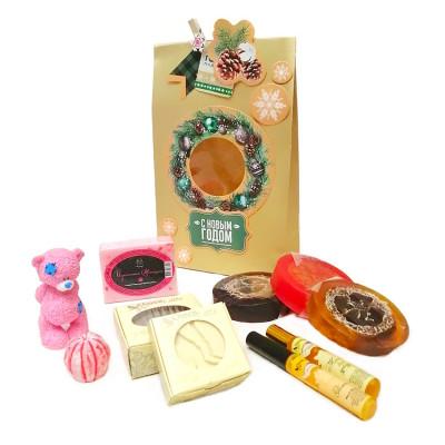 Набор новогодний Мишка Тедди в подарочном пакете (косметика+мыло)